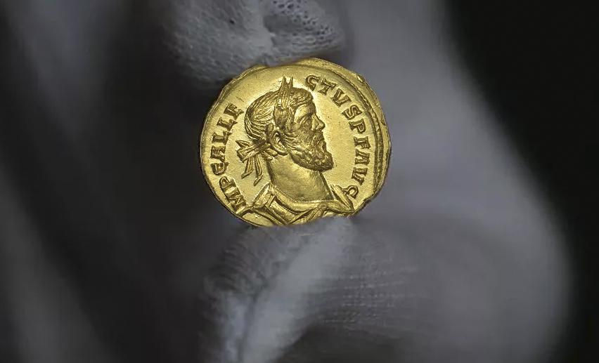 Un prospecteur decouvre une monnaie en or vendue 620 000 euros